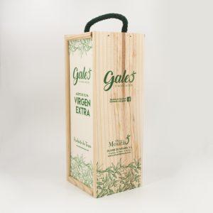 Cajas fabricadas a medida de manera artesanal y serigrafiadas sobre la propia madera